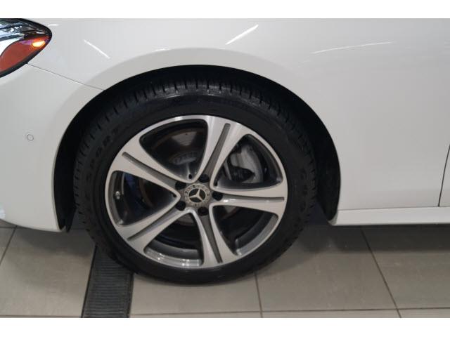 2019 E-Class Mercedes-Benz AWD E 300 4MATIC 4dr Sedan full